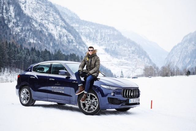 Maserati Levante S, @dpersy wearing a Parajumper Parka, J.Crew Jeans and Boots from Timberland © @felixfr98